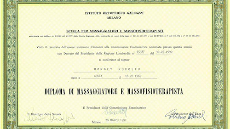 1 – Diploma di massaggiatore e massofisioterapista